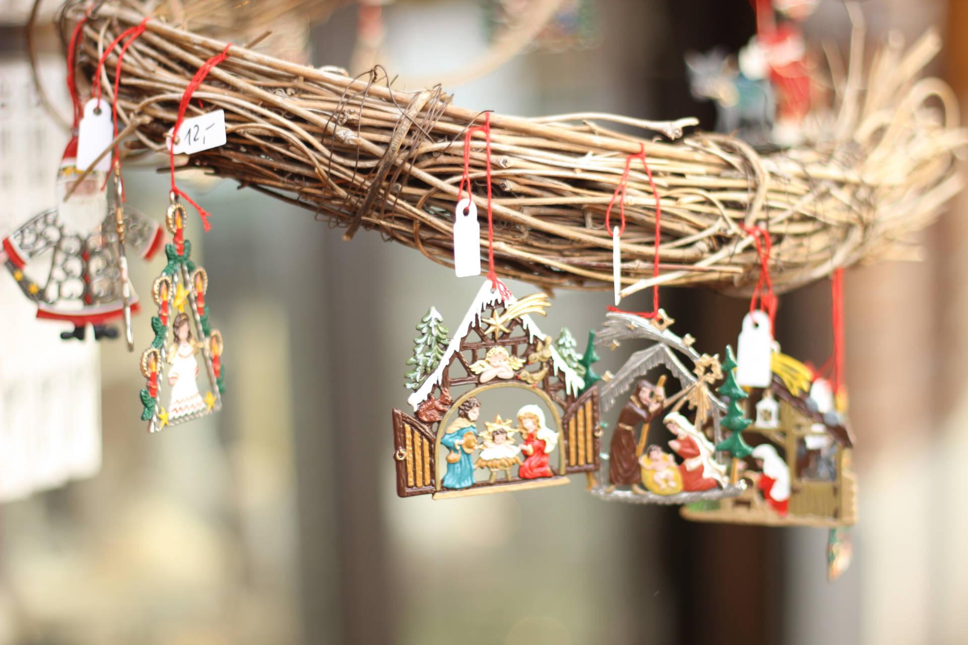 festive details